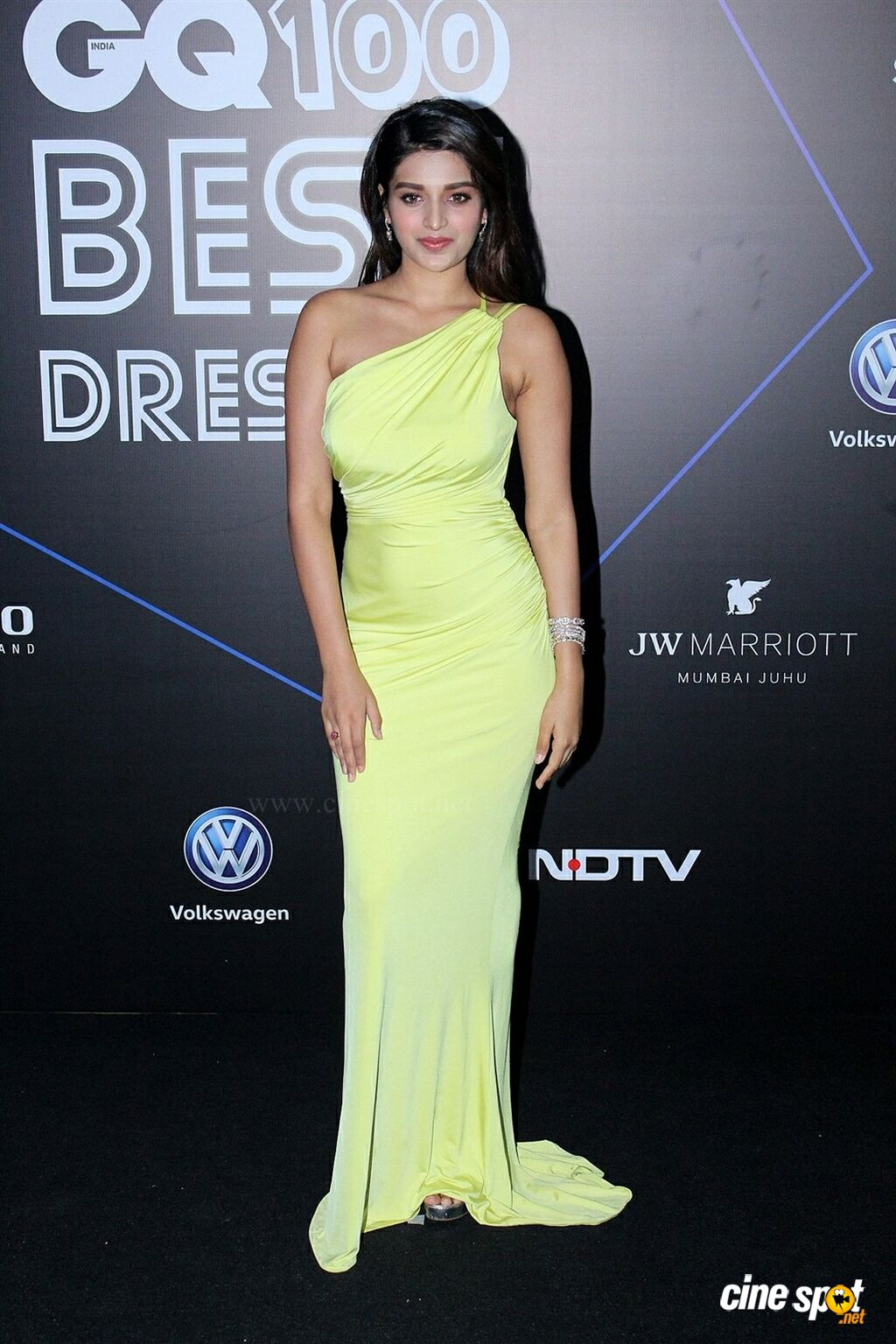 Nidhhi Agerwal at GQ Best Dressed Awards 2019 Red Carpet (8)