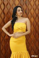 Actress Kiara Advani Photos (4)