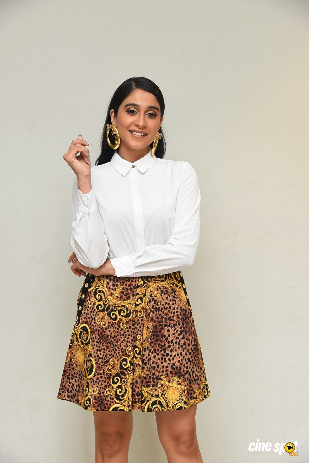 Regina Cassandra at (24)