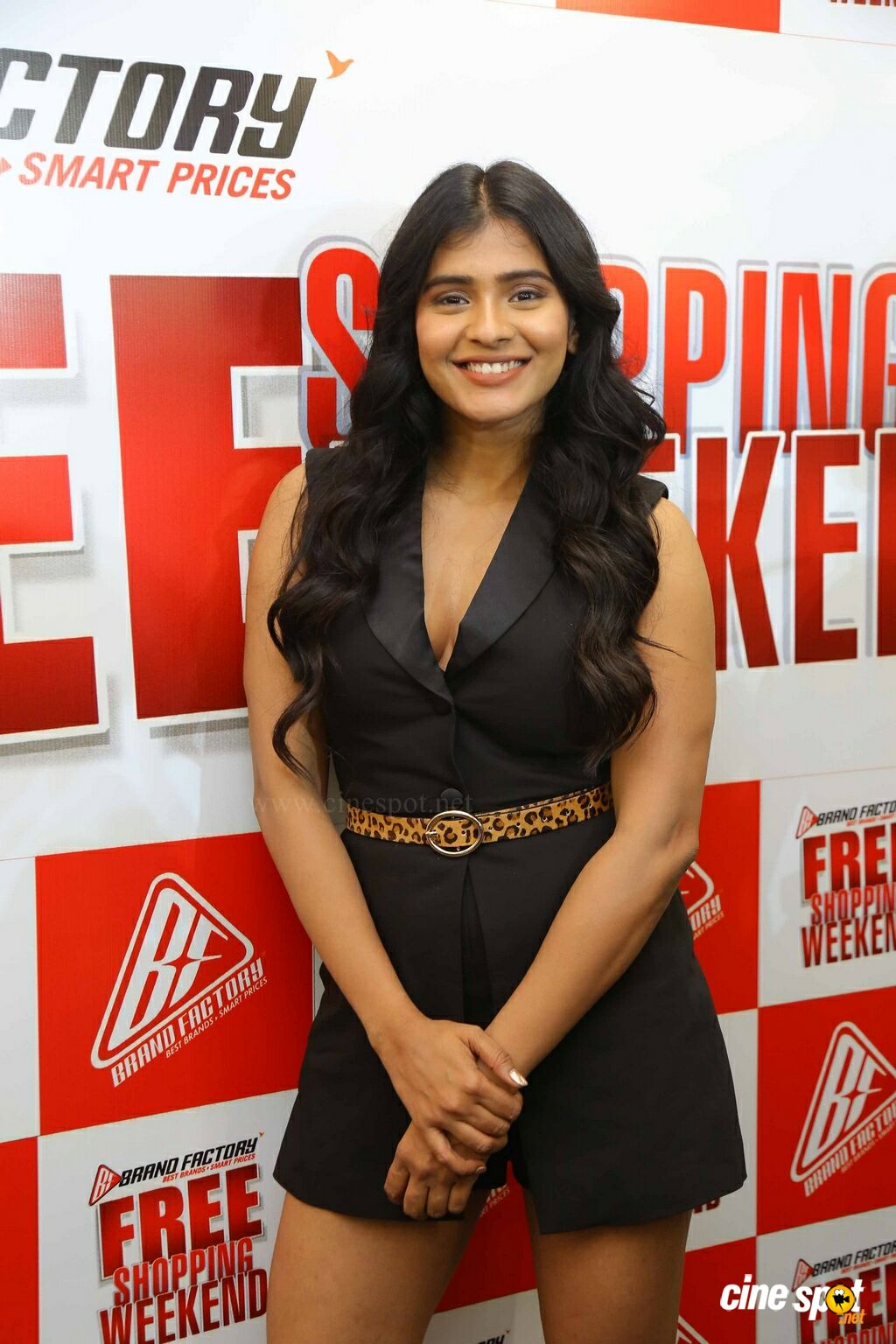 Hebah Patel at Free Shopping Weekend Of Brand Factory Launch (4)