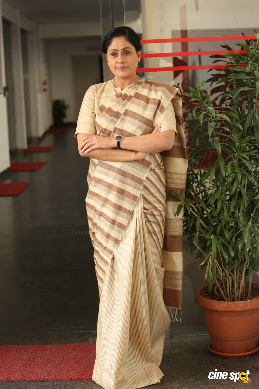 Sarileru Neekevvaru Actress Vijayashanti Interview Photos (10)
