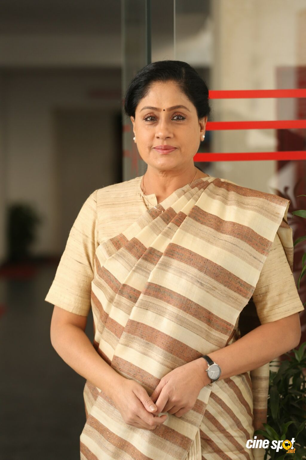 Sarileru Neekevvaru Actress Vijayashanti Interview Photos (8)