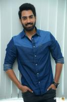 Choosi Choodangaane Hero Shiva Kandukuri  Interview Photos (9)