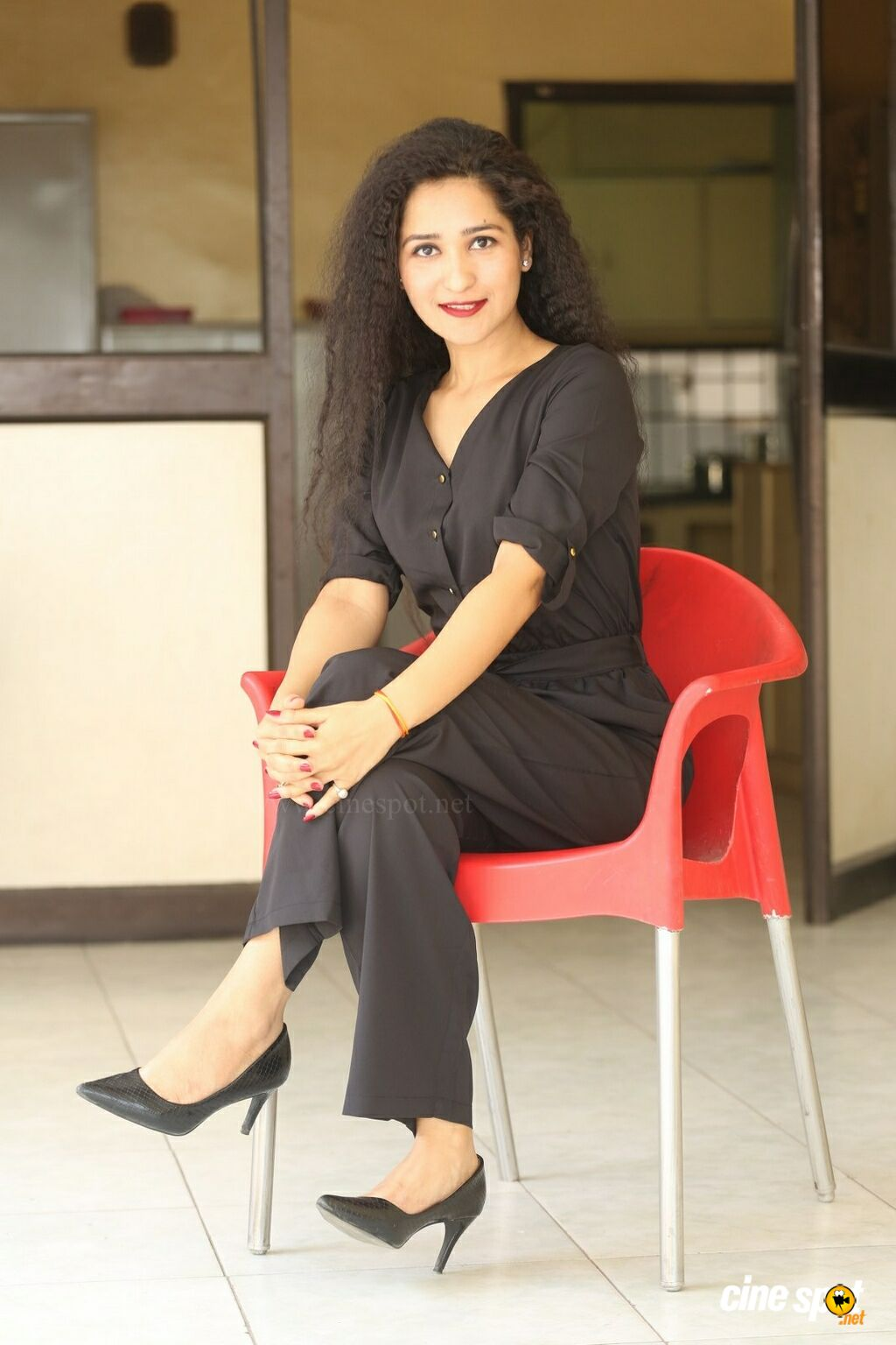 Oka Chinna Viramam Heroine Garima Singh Interview Photos (16)