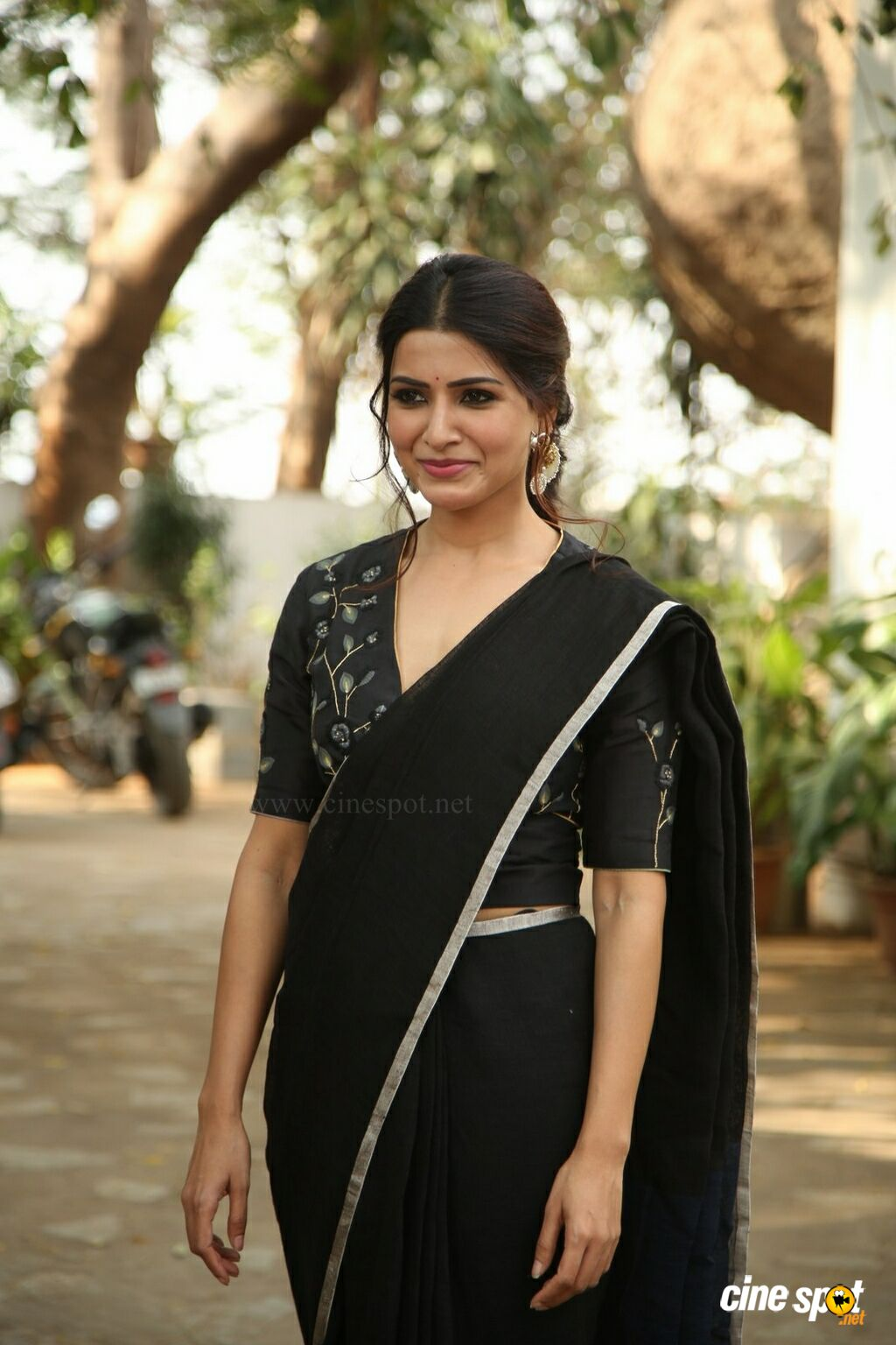 Jannu Heroine Samantha Interview Photos (1)