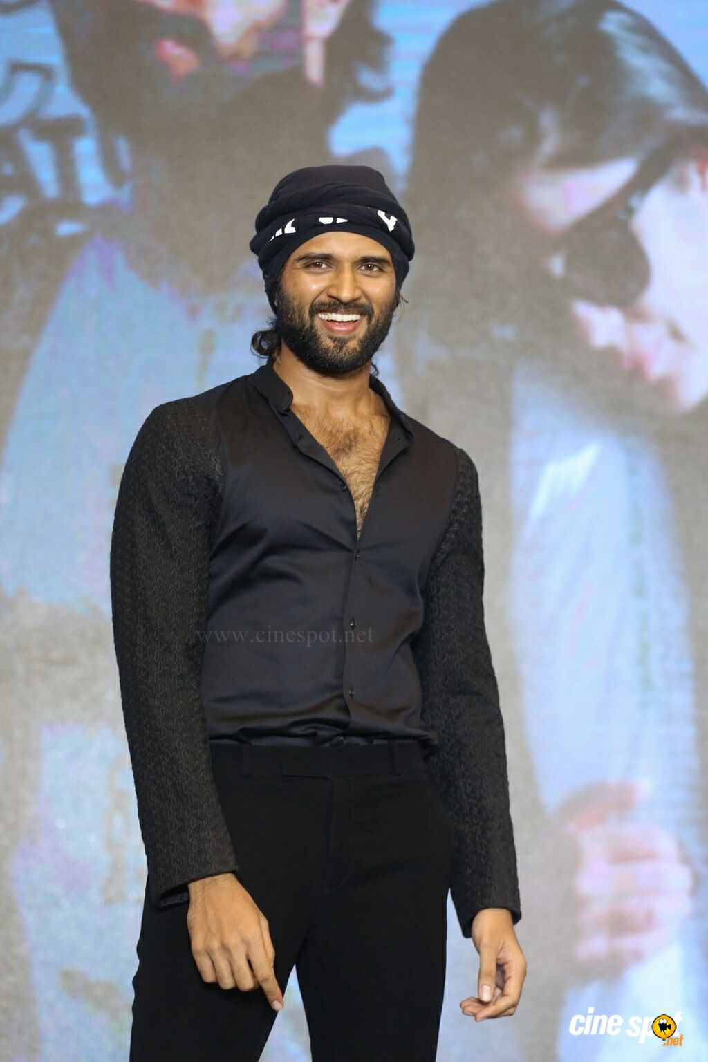 Vijay Devarakonda at World Famous Lover Trailer Launch (7)