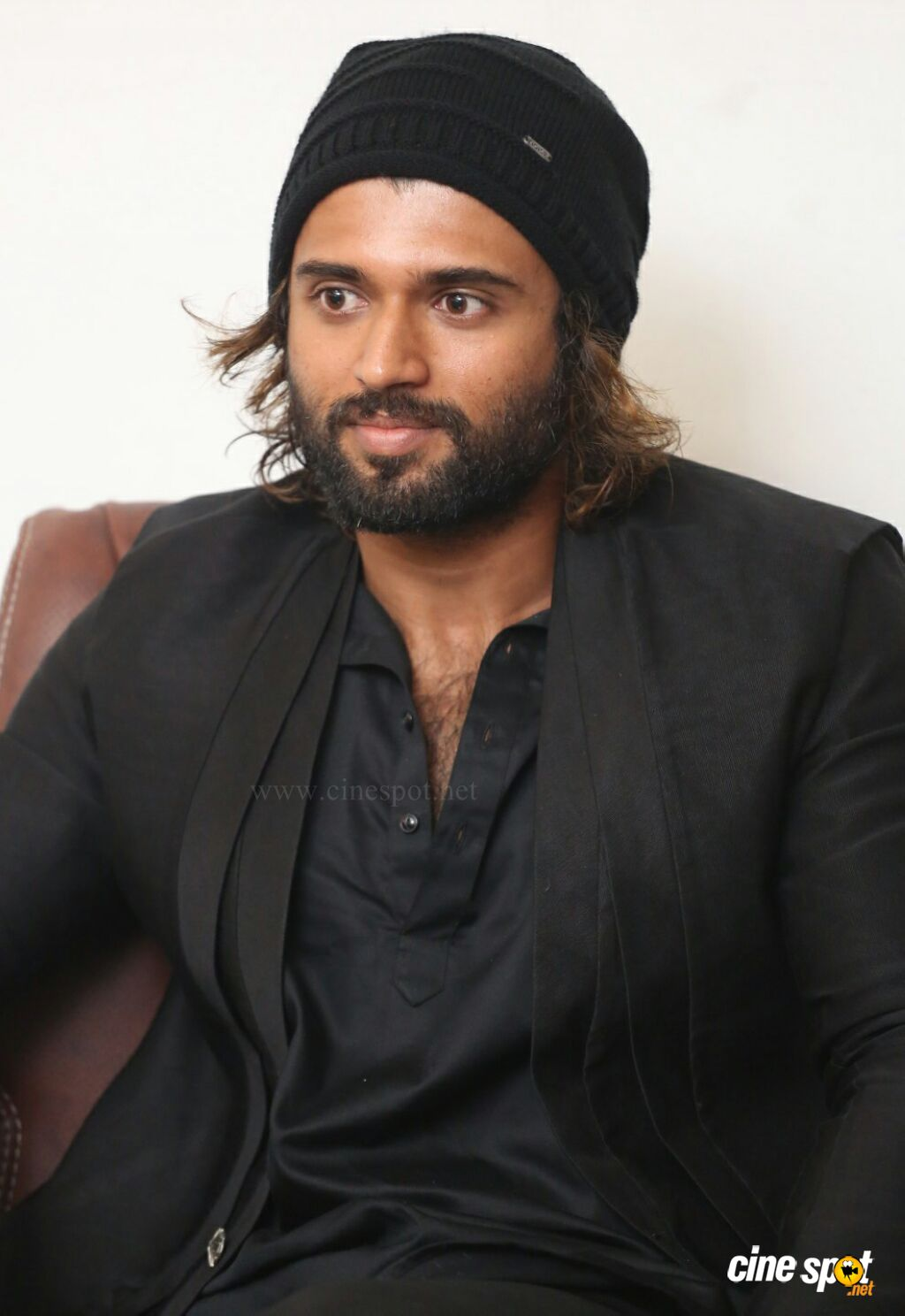 World Famous Lover Hero Vijay Devarakonda Interview Photos (33)
