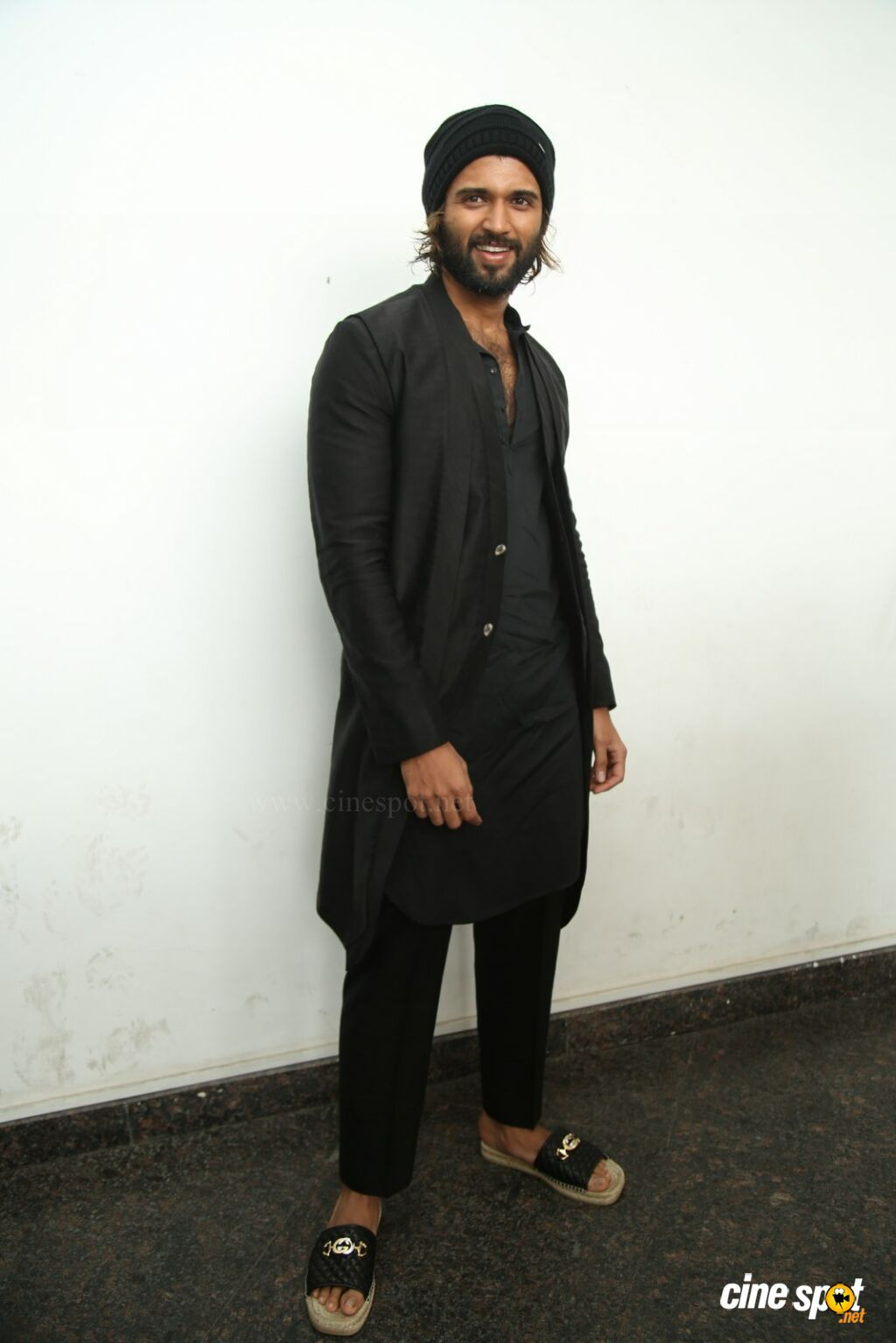 World Famous Lover Hero Vijay Devarakonda Interview Photos (6)