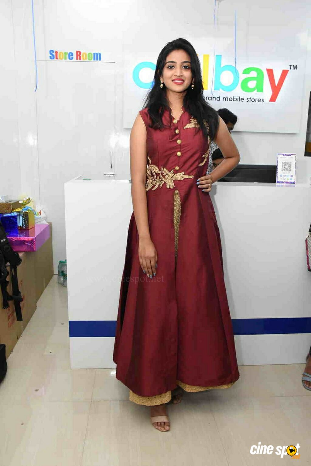 Vakshika at CellBay Mobile Store Launch (3)