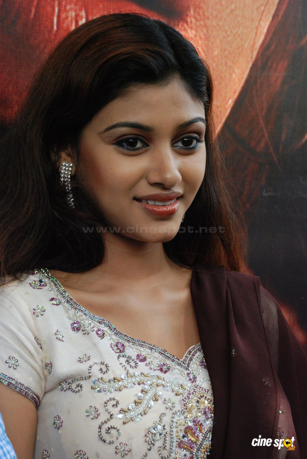 Stars Hot Wallpapers Sexy Oviya Helen