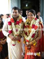 bala actor idea star singer amrutha suresh marriage