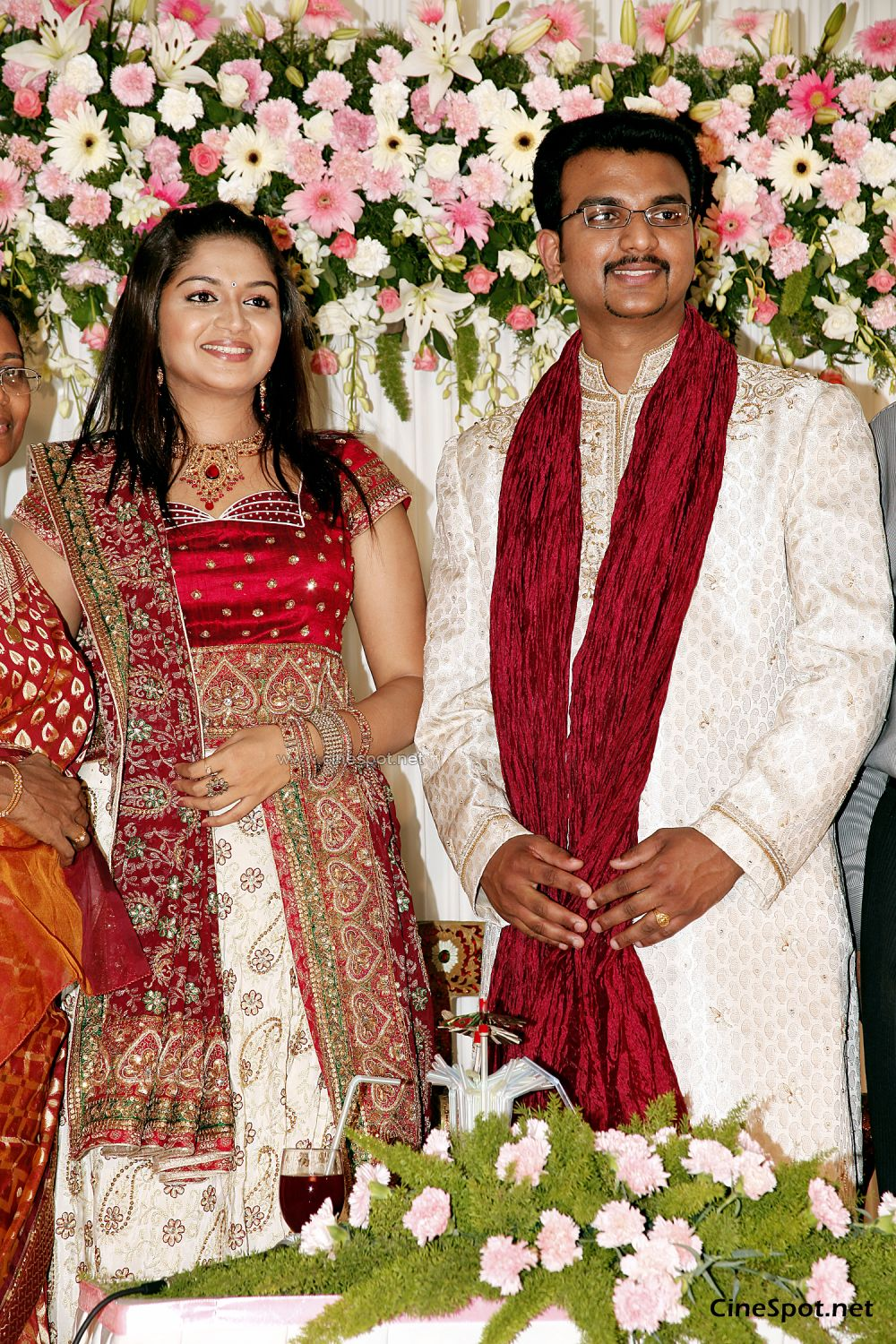 Karthika Marriage Engagement Photos, stills,pics (29)