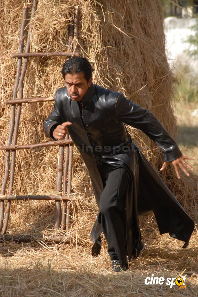 Arjun Tamil Movie Actor Photos (2)