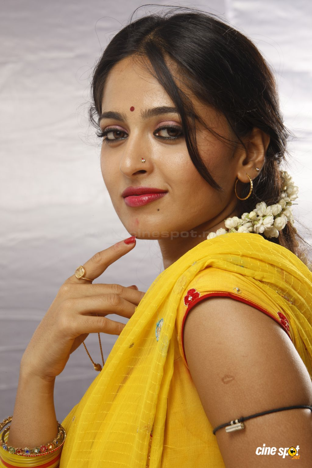 Result of Anushka Shetty Ragada Hot Photos