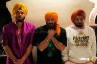 Yamla Pagla Deewana photos (6)