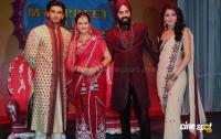 Ranveer & Anushka At Band Baaja Baaraat Contest Photos