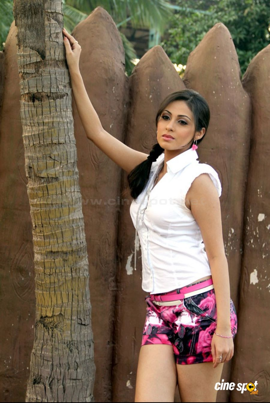Sadha Actress Photos (25)