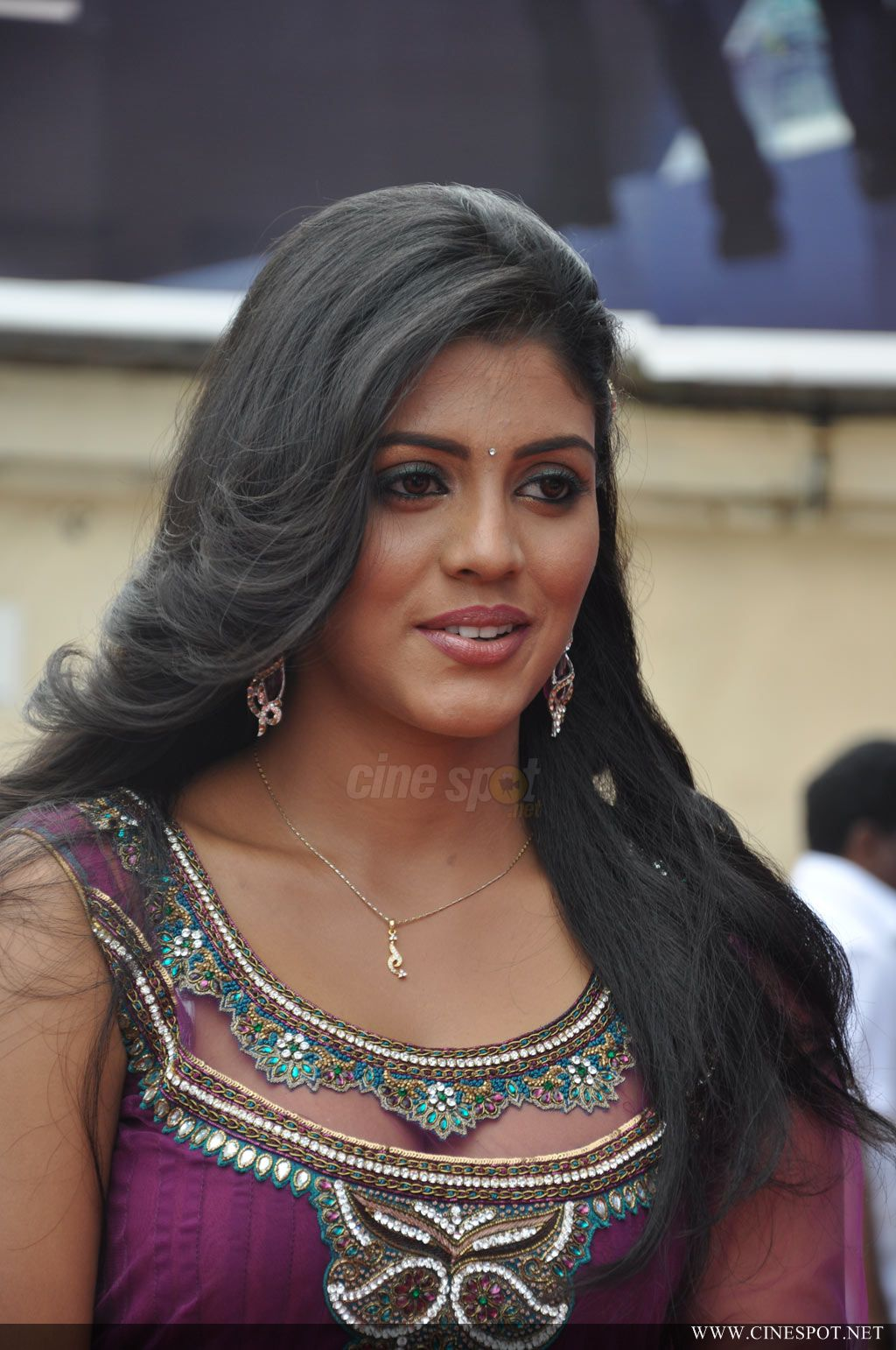Iniya south actress ph...