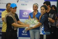 Aamir Khan & Deepika at Tata Open finale High Resolution Photos