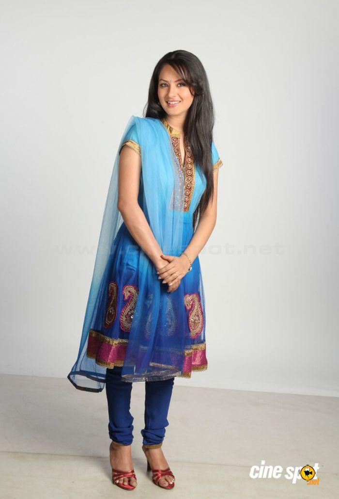 Pooja Bose Latest Stills (28)