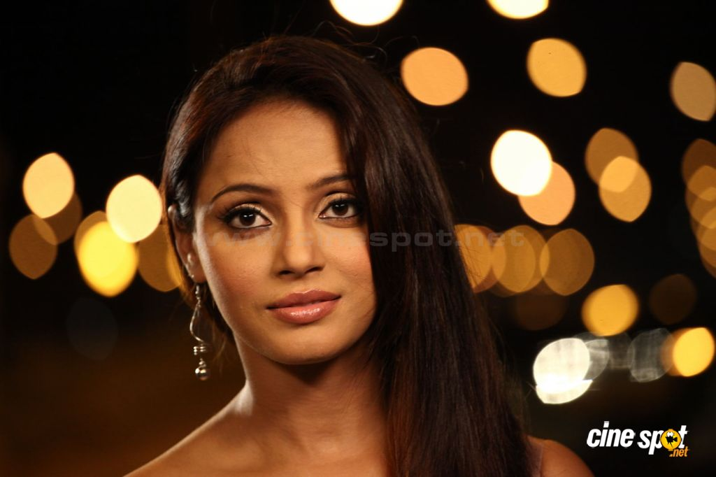 Neetu Chandra new stills (31)