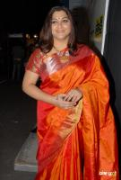 Kushboo in Saree at Mirchi Awards 2012 (1)