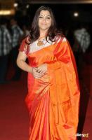 Kushboo in Saree at Mirchi Awards 2012 (3)