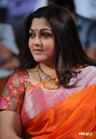 Kushboo in Saree at Mirchi Awards 2012 (5)