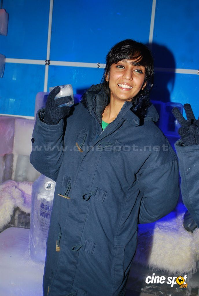 Shweta Salve at the launch of ICE BAR  Event Photos (5)