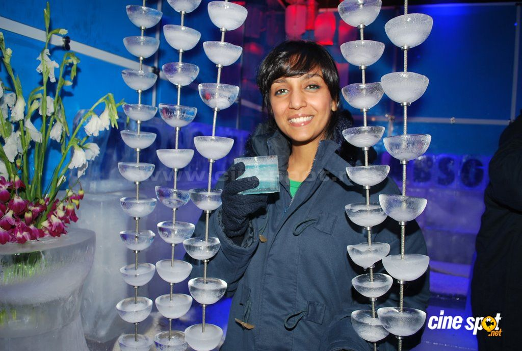 Shweta Salve at the launch of ICE BAR  Event Photos (6)