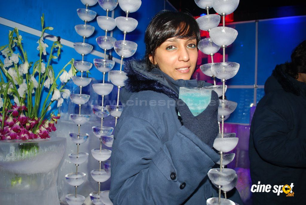 Shweta Salve at the launch of ICE BAR  Event Photos (8)