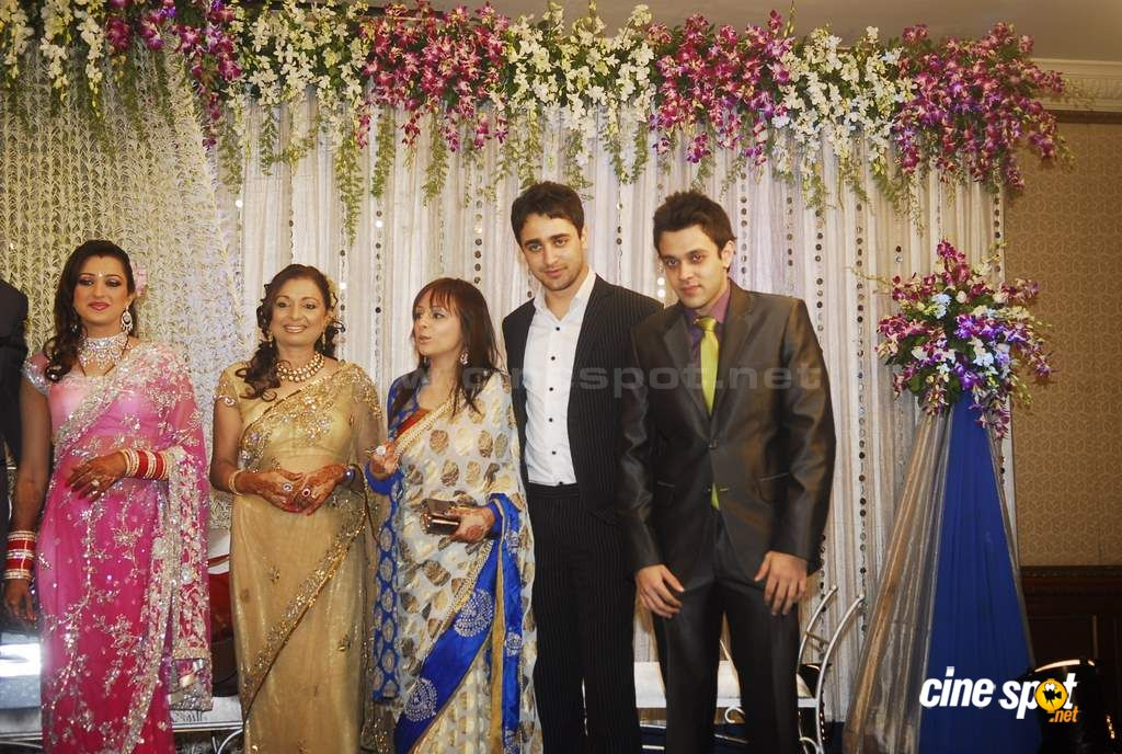 Actress Pooja Kanwal's wedding Reception Photos (13)