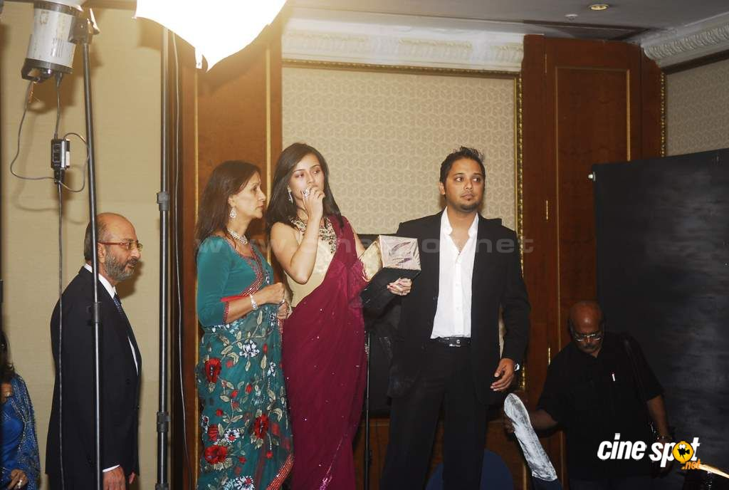 Actress Pooja Kanwal's wedding Reception Photos (17)