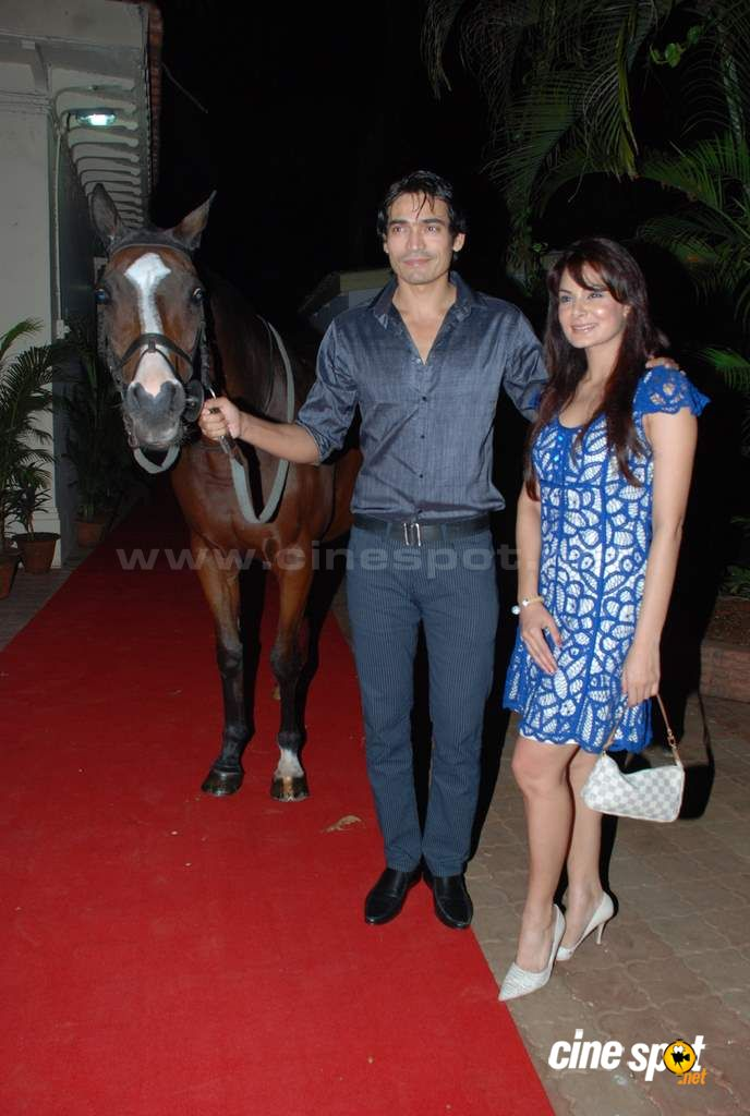 Anchal Kumar and Shawar Ali at the opneing bash Event Photos (7)