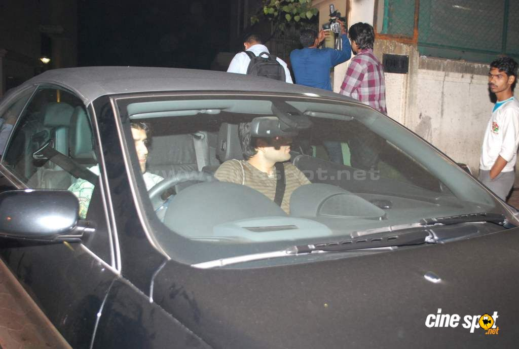 SRK at special screening  Event Photos (12)