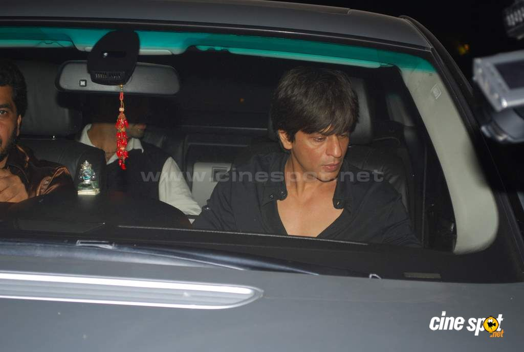 SRK at special screening  Event Photos (27)