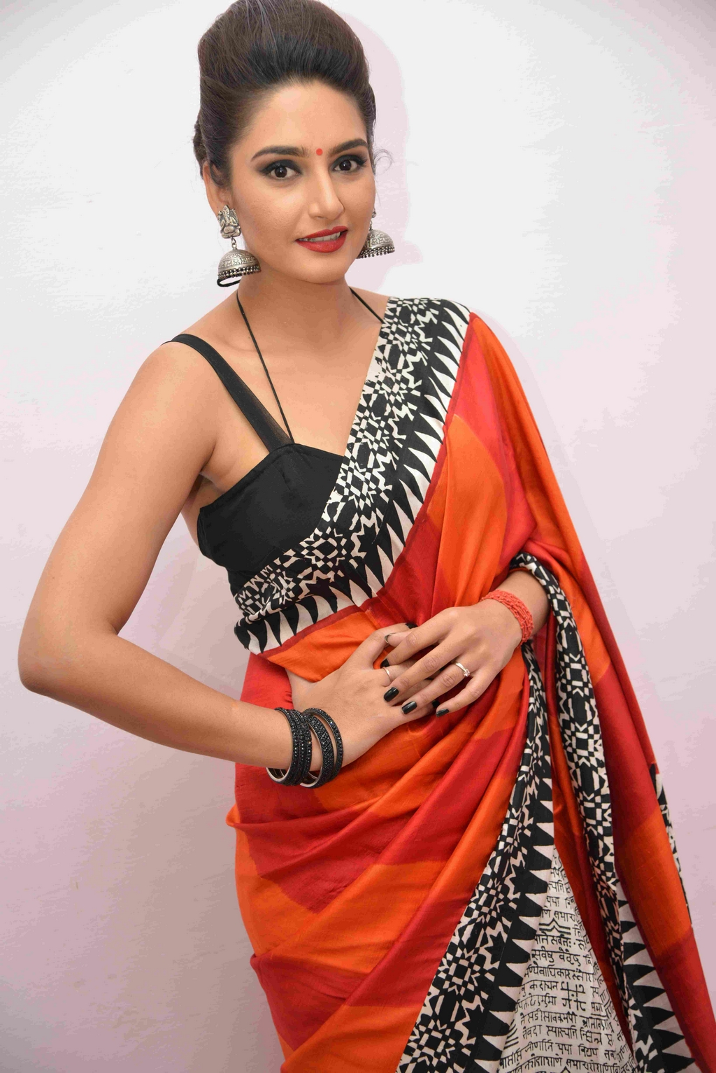Ragini Dwivedi at Veera Ranachandi Audio Release (1)