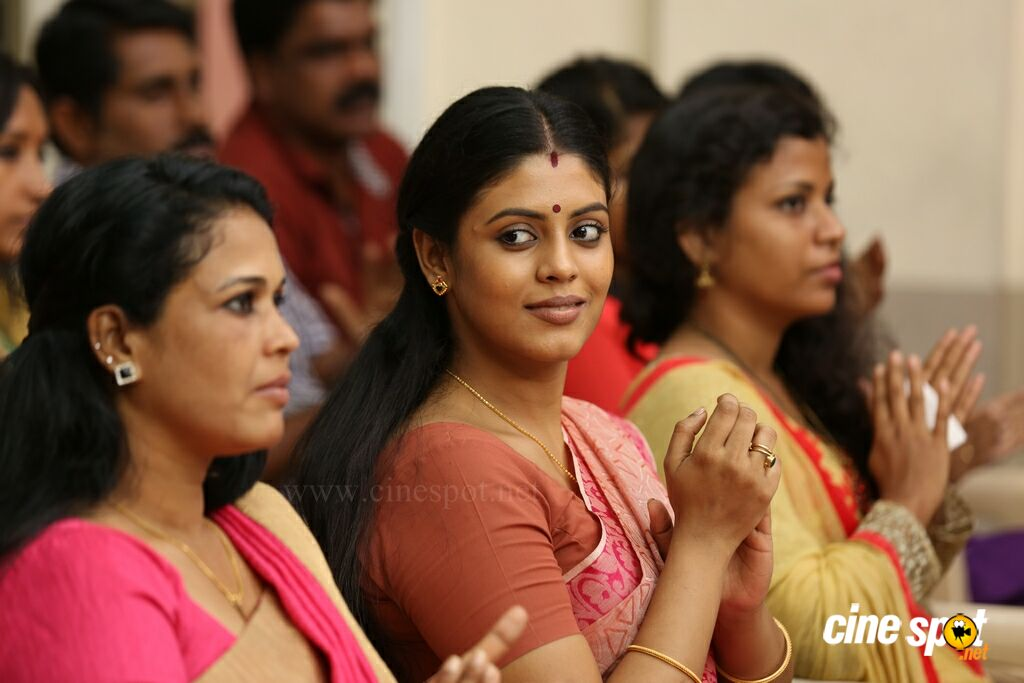 Akasha Mittayi Movie New Stills (62)