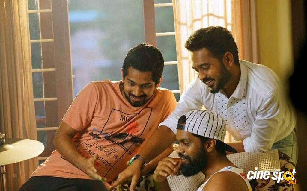 Vijay Superum Pournamiyum New Photos (5)