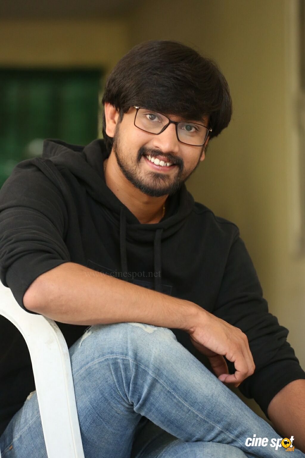 Iddari Lokam Okate Actor Raj Tarun Interview Photos (26)