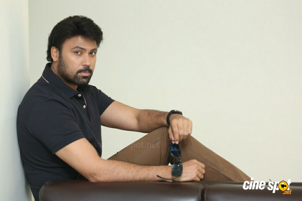 Valayam Hero Laksh Chadalavada Interview Photos (13)