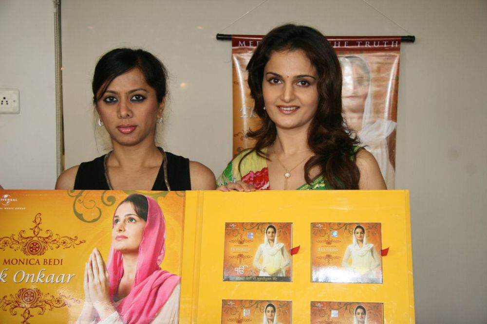 Monica Bedi launch 'Ek Onkaar' Photos (4)